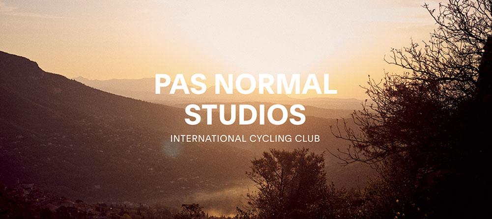 Pas Normal Studios kläder